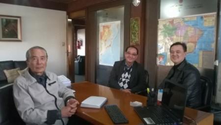 Cantor Joe Hirata, acompanhado de Marcos Hirai, da GG&H-Retail Real State, visitam CCIBJ-PR