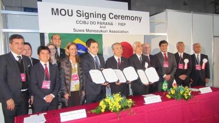 Presidente da CCIBJ-PR assina acordo de cooperação durante a Feira Suwa, no Japão